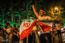 فرح الشعب الايراني بالفوز بمباراته مع المغرب