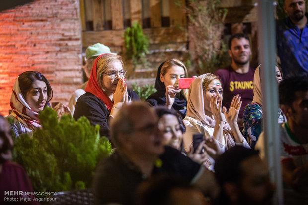 تماشای دیدار تیم های ملی فوتبال ایران و مراکش در تهران