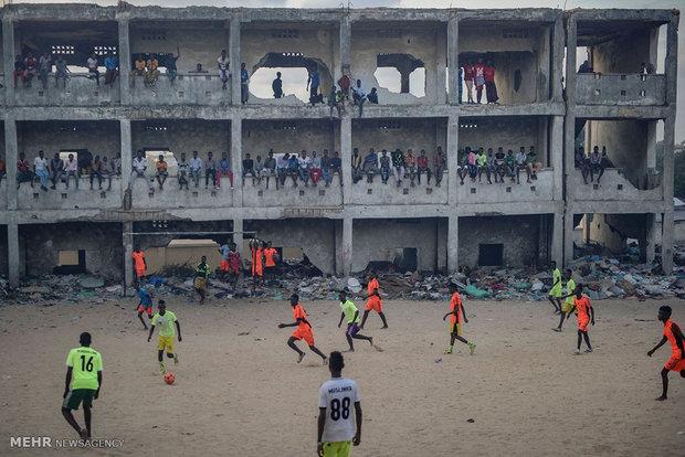 میادین فوتبال در اقصی نقاط جهان