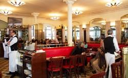 پاریس: کافه دو فلور