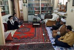 تشویق دانشجویان برای نگارش پایان نامه دستاوردهای انقلاب اسلامی