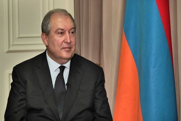 Armenia calls for expansion of ties with Iran