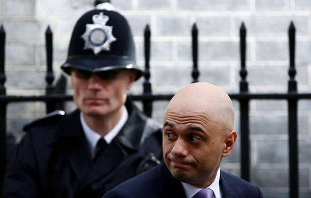 لصوص يسرقون هاتف وزير الداخلية البريطاني