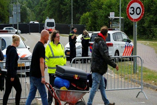 پلیس هلند: راننده خودروئی که وارد جمعیت شده بود، بازداشت شد