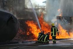 شرکت صنعتی تولیدکننده محصولات شیمیایی در شهرک لیا دچار حریق شد