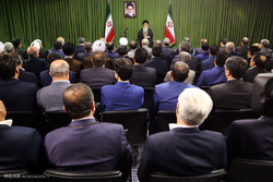 Iranian MPs meet with Leader