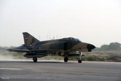 Iranian Army overhauls F-4 fighter jet