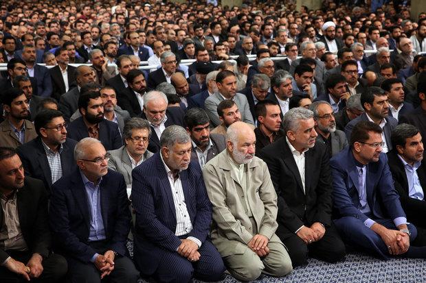 Leader receives parliamentarians