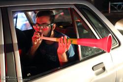 شادی شبانه مردم تهران بعد از بازی ایران و اسپانیا