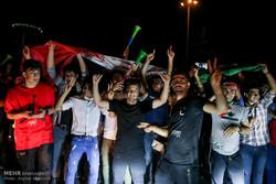 تہران میں ایران اور اسپین کی قومی ٹیموں کے درمیان میچ کا مشاہدہ