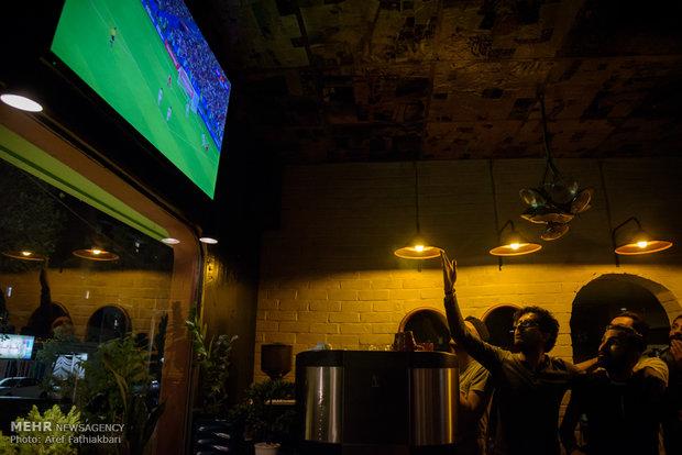 تماشای دیدار تیم های ملی فوتبال ایران و اسپانیا در کرج