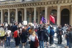 اعتراض نویسندگان فرانسه