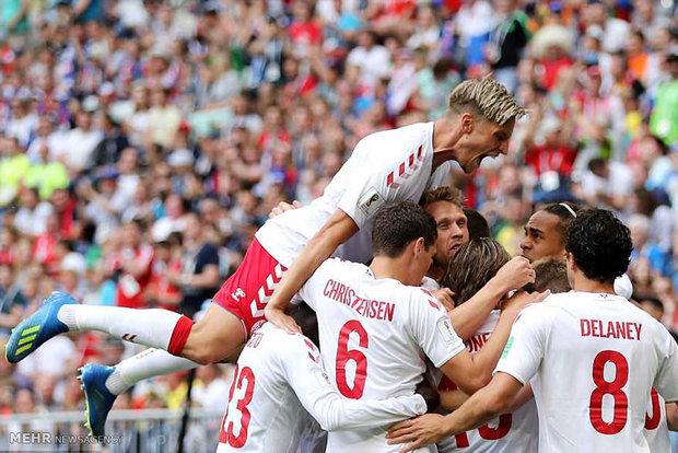 دیدار تیم های ملی فوتبال دانمارک و استرالیا
