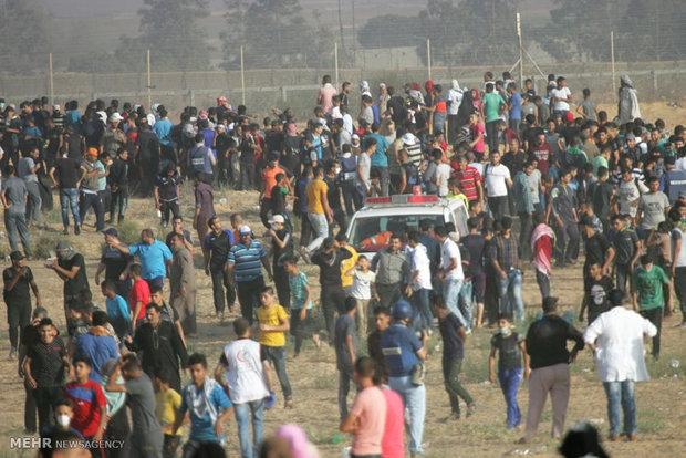 Gazze'de şehit çocuklar için gösteri