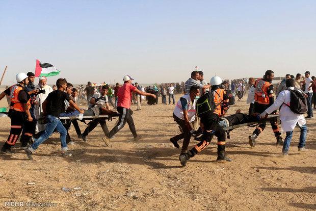 شهادت یک فلسطینی و زخمی شدن ۱۲۰ نفر دیگر در راهپیمایی بازگشت