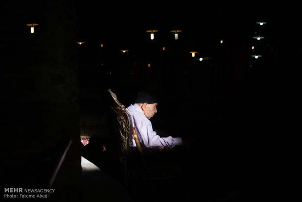 مَش ممد باربر 80 ساله سرای کاشانی