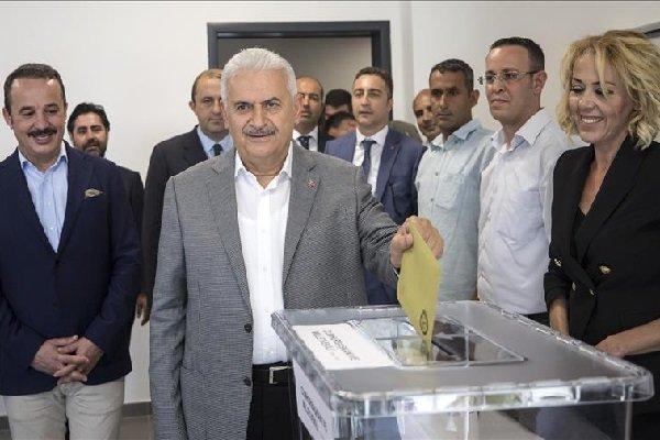 Turkish premier casts vote in his hometown Izmir