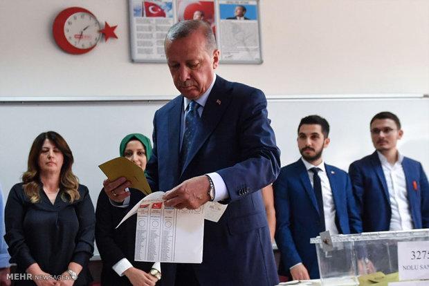 Erdoğan 3'üncü kez aday olacak mı?