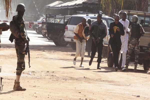 کشته شدن ۳۲ نفر در حمله مسلحانه در کشور آفریقایی مالی