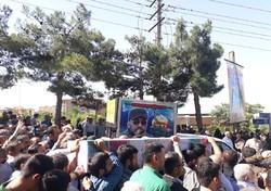 """تشييع جثمان المدافع عن الحرم  الشهيد """"شاهرخ دائي بور"""""""