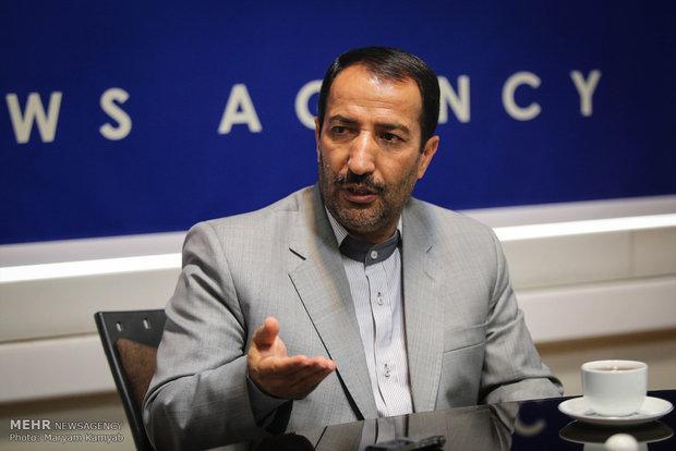 پوری حسینی درنظارت کوتاهی کرد/ایجاد حیاط خلوتی برای تخلف ازقوانین
