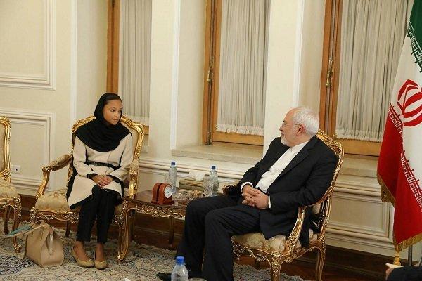 رئيسة المكتب الاقليمي لليونسكو في ايران تلتقي ظريف في ختام مهامها