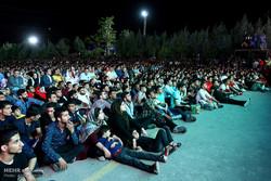 ملک بھر میں فٹبال شائقین کا ایران اور پرتگال کے درمیان فٹبال میچ کا مشاہدہ