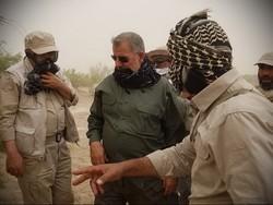 قائد القوة البرية للحرس الثوري تفقد منطقة الاشتباك مع خلية ارهابية في ميرجاوة