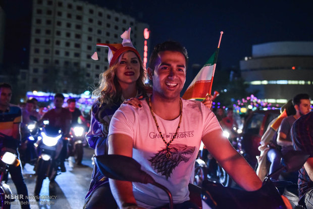 Iran-Portugal draw brings crowds to Tehran streets