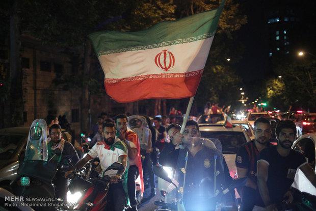شادی تهرانی ها از بازی غیرتمندانه تیم ملی فوتبال