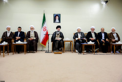 Leader receives judiciary head, officials