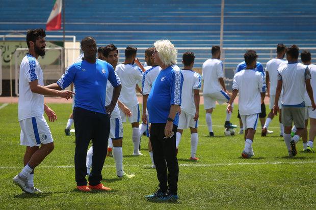 İranlı futbol takımı İstiklal'ın kamp kadrosu İstanbul'da