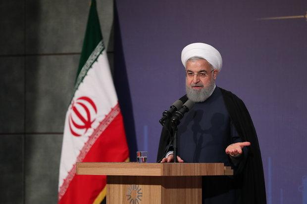 روحاني يرحب بتوجيهات قائد الثورة ومؤكدا على تنفيذها بالكامل