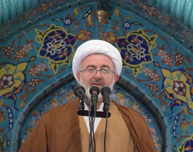 دشمن با تحریم به دنبال بازدارندگی نظام اسلامی است