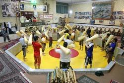 """""""زور خانه"""" أو """"بيت القوة""""، مكان لممارسة رياضة ايرانية بصبغة تاريخية /صور"""
