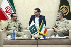 العميد موسوي يدعو إلى توخي الحذر من أن تمس البلدان الأخرى بالأخوة بين إيران وباكستان