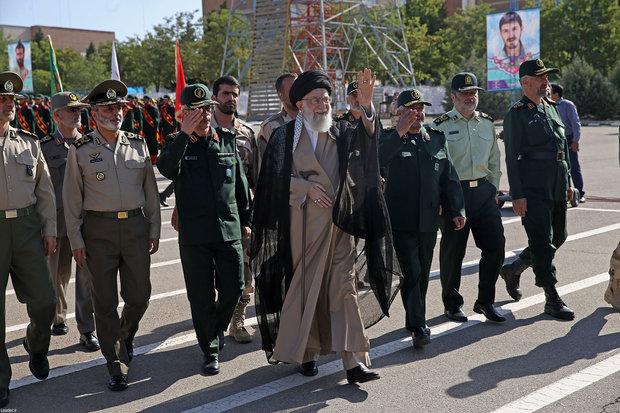 رهبر انقلاب در دانشگاه افسری امام حسین (ع)