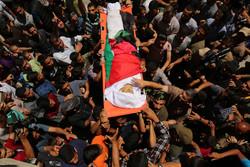 """إستشهاد الشابين الفلسطينيين """"ياسر"""" و""""محمد"""" أثناء مشاركتهما في """"مسيرة العودة"""" / صور"""