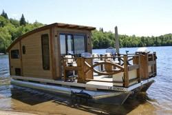 با این خانه خورشیدی به دل دریا بزنید