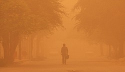 بارش باران  و وقوع گرد و  غبار در مهران