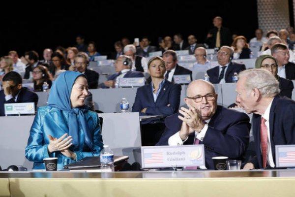 بومبيو يأمر الدبلوماسيين الأمريكيين بوضع الحد للجماعات المعارضة الإيرانية!؟