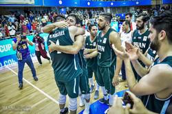 ايران تهزم كازاخستان في تصفيات كأس العالم للسلة