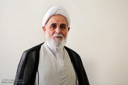 کتاب خاطرات منتظری «دروغ» است/ ادلهای برای صحت نامه «عزل» توسط امام