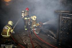 آتش سوزی هتل آسمان مهار شد/ نجات ۳۰ کارگر از داخل هتل