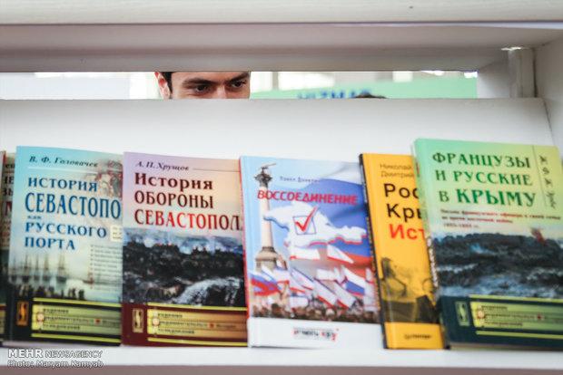 ادبیات ایران سرگشته در بازار جهانی کتاب/راهی که به ترکستان میرسد