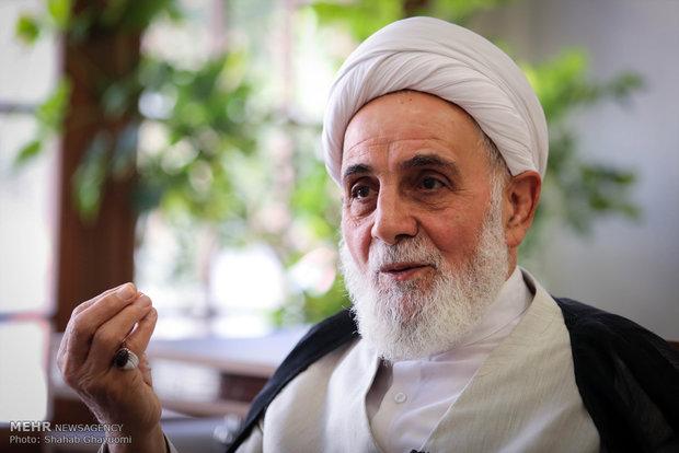 نباید شاهد افراط و تفریط در جامعه اسلامی باشیم