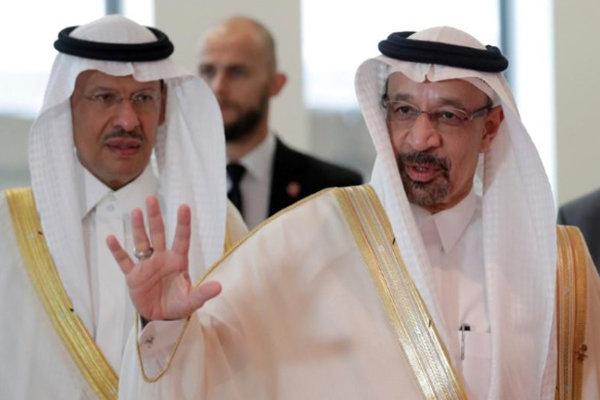 عربستان صادرات نفت خود را ۸۰۰ هزار بشکه کاهش می دهد