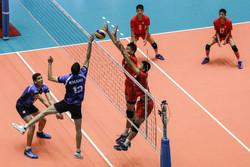 ایران اور چین کے نوجوانوں کی والیبال ٹیموں کے درمیان مقابلہ
