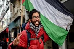 """الناشط السويدي """"بنيامين لادرا"""" لم يُحرم من قمع الاحتلال الصهيوني"""