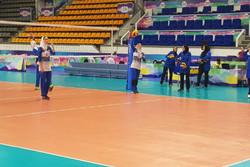 نخستین گامِ بانوان والیبالیست ایران و رویاییرویی با میزبان
